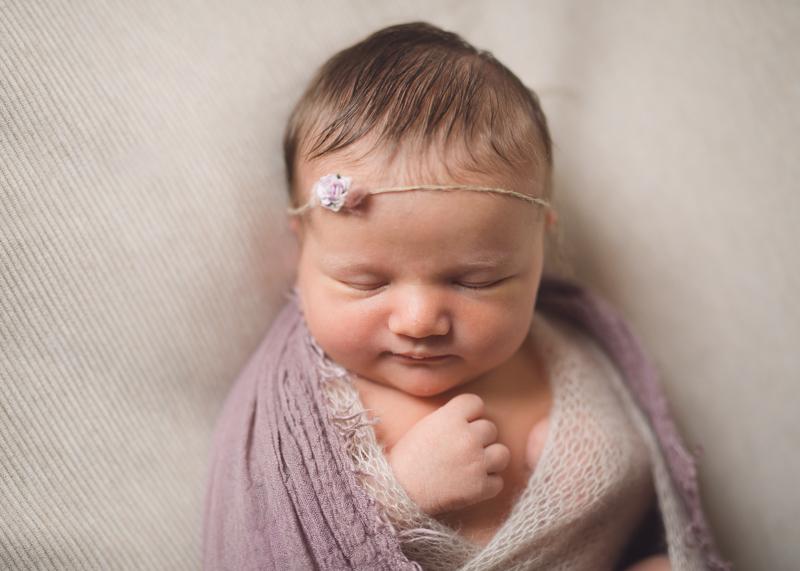 Photographe nouveau-ne seance photo bebe nourrisson naissance lyon-6