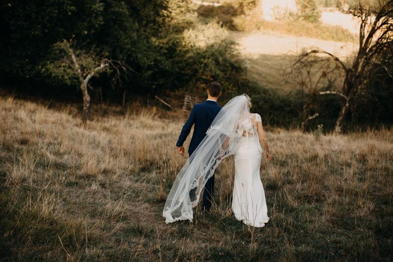 Photographe reportage mariage Lyon love sessin destination wedding photographer Paris Bordeaux Geneve folk boho boheme-105