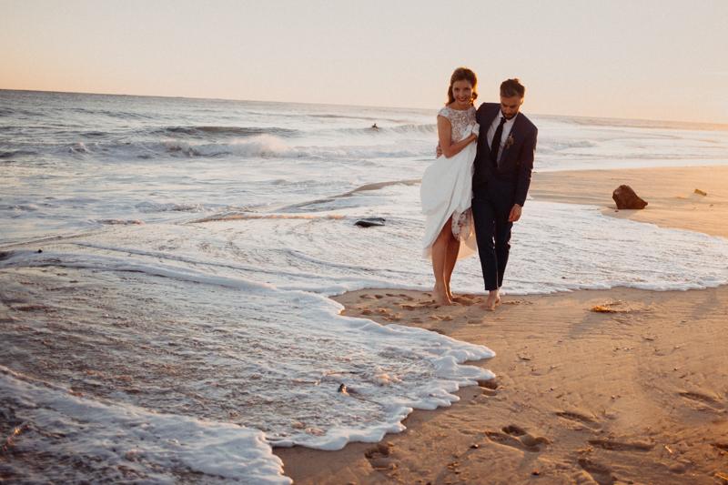 Photographe mariage reportage destination wedding photographer Cap Ferret Bartherotte Gironde Bordeaux mer sable plage mariee-145