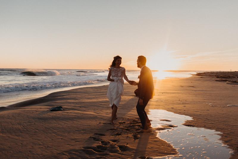 Photographe mariage reportage destination wedding photographer Cap Ferret Bartherotte Gironde Bordeaux mer sable plage mariee-146