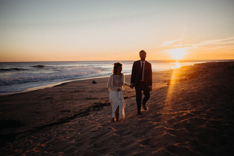 Photographe mariage reportage destination wedding photographer Cap Ferret Bartherotte Gironde Bordeaux mer sable plage mariee-156