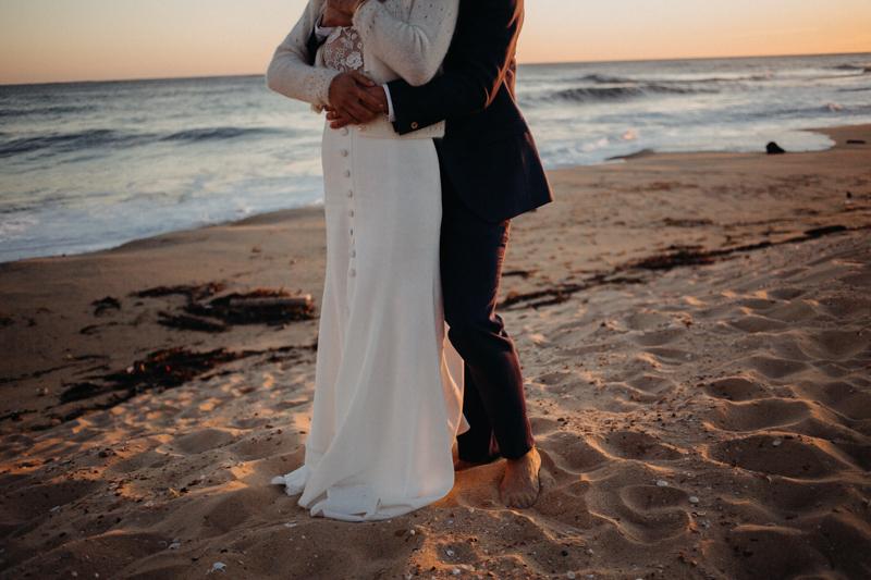 Photographe mariage reportage destination wedding photographer Cap Ferret Bartherotte Gironde Bordeaux mer sable plage mariee-157