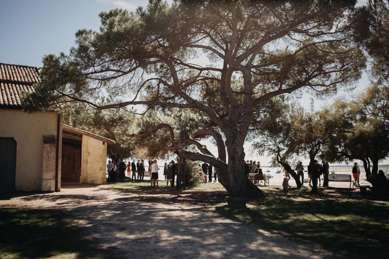 Photographe mariage reportage destination wedding photographer Cap Ferret Bartherotte Gironde Bordeaux mer sable plage mariee-43