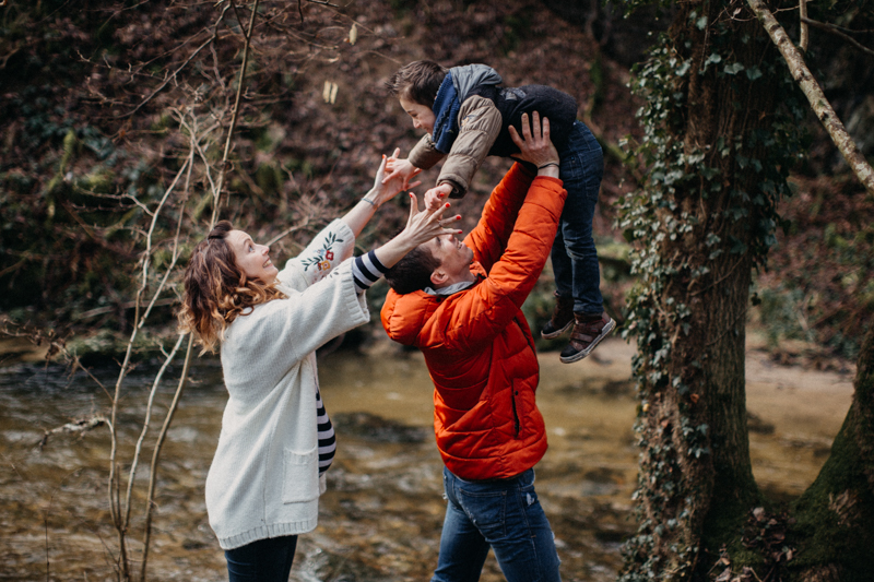 Photographe grossesse baby seance photo femme enceinte lifestyle bebe nature foret-19