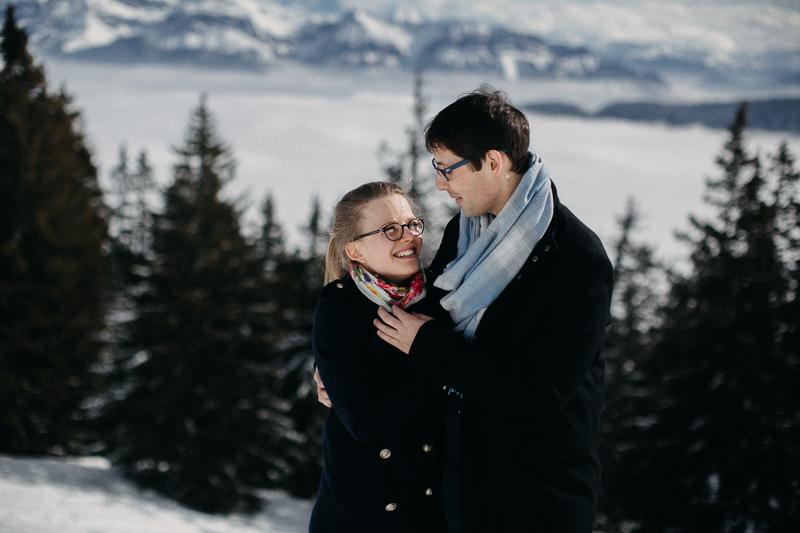 Photographe mariage seance photo reportage Lyon destination wedding neige montagne alpes love session amoureux-2