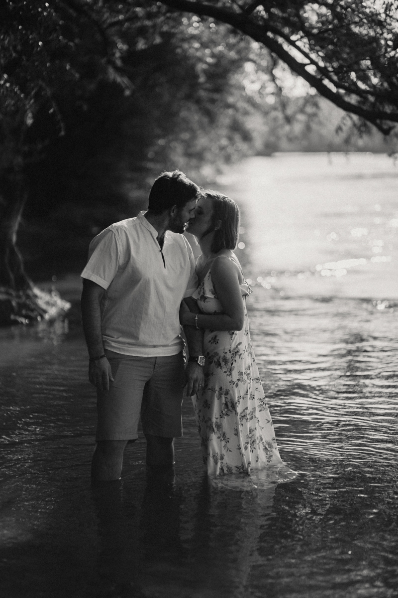 Photographe mariage reportage love session photo seance engagement wedding amour lumiere nature moody-11