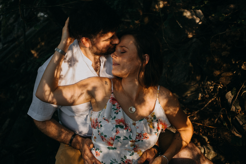 Photographe mariage reportage love session photo seance engagement wedding amour lumiere nature moody-18