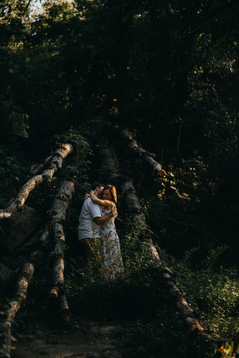 Photographe mariage reportage love session photo seance engagement wedding amour lumiere nature moody-25