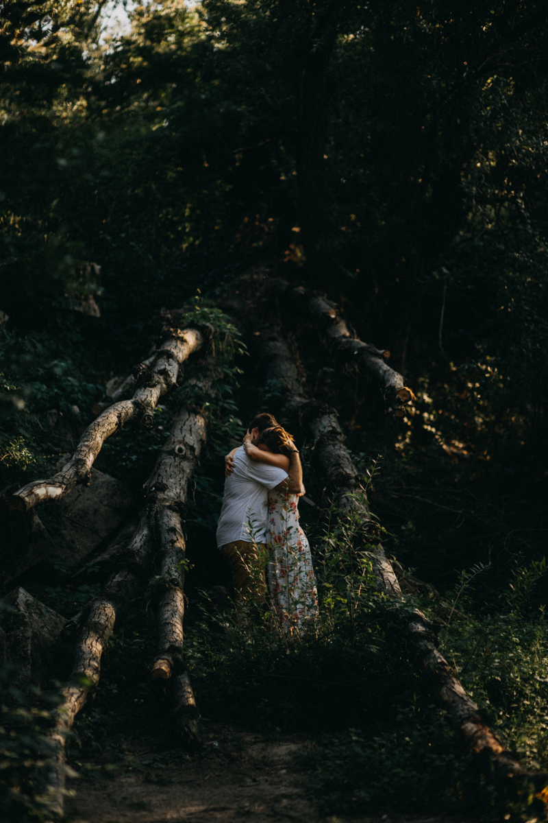 Photographe mariage reportage love session photo seance engagement wedding amour lumiere nature moody-26