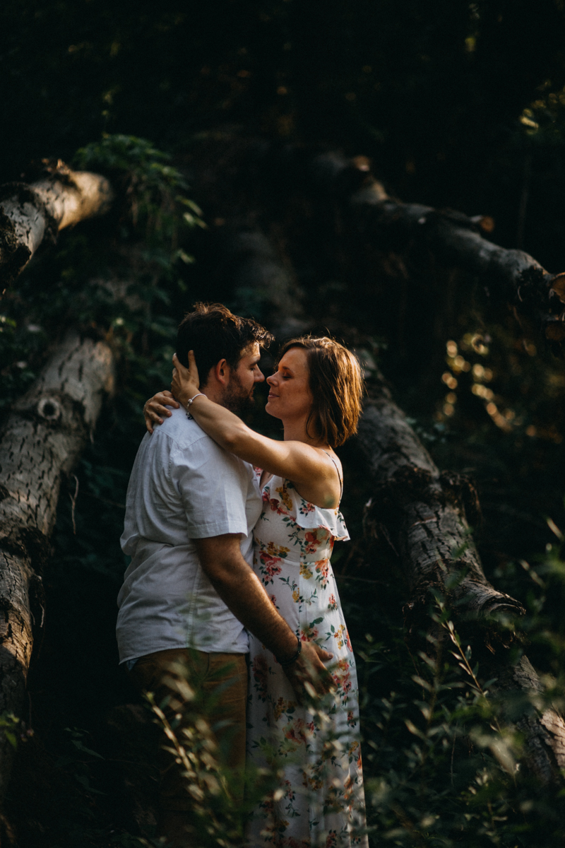 Photographe mariage reportage love session photo seance engagement wedding amour lumiere nature moody-27