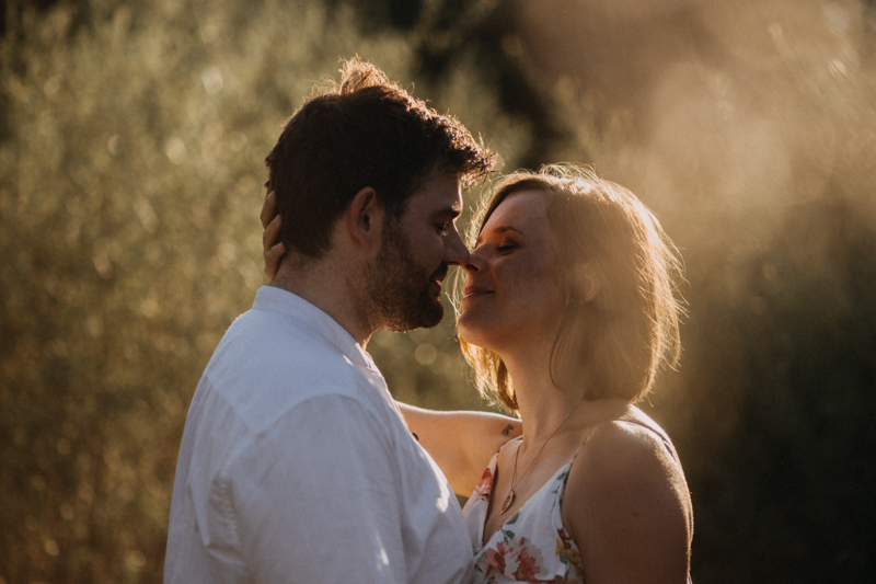 Photographe mariage reportage love session photo seance engagement wedding amour lumiere nature moody-35
