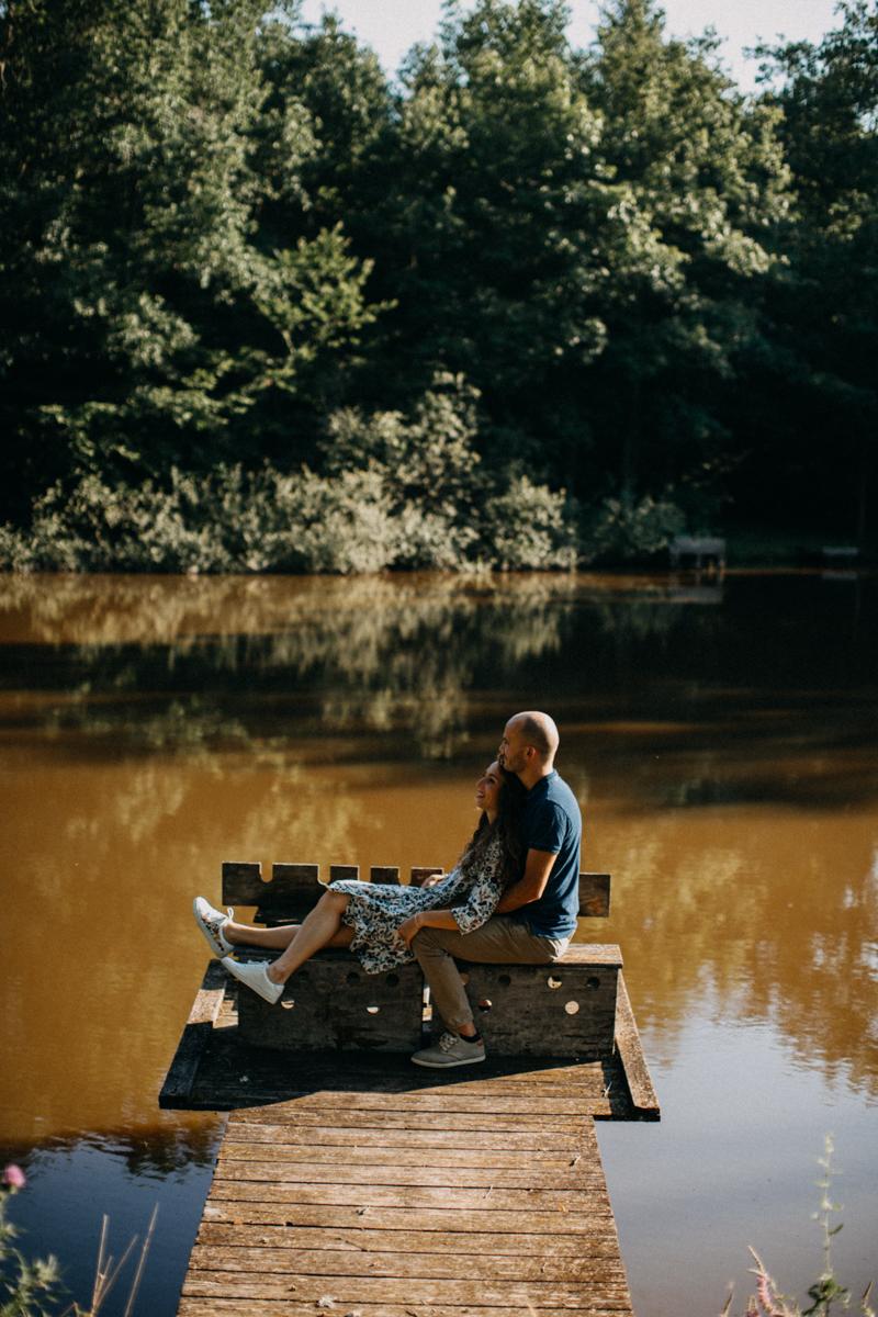 Photographe mariage seance photo lifestyle couple love session amour amoureux nature moody bois Lyon-22