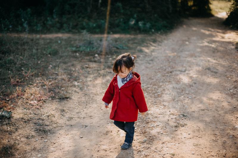 Photographe lifestyle famille enfant seance photo lumiere soleil automne couleurs Lyon-1