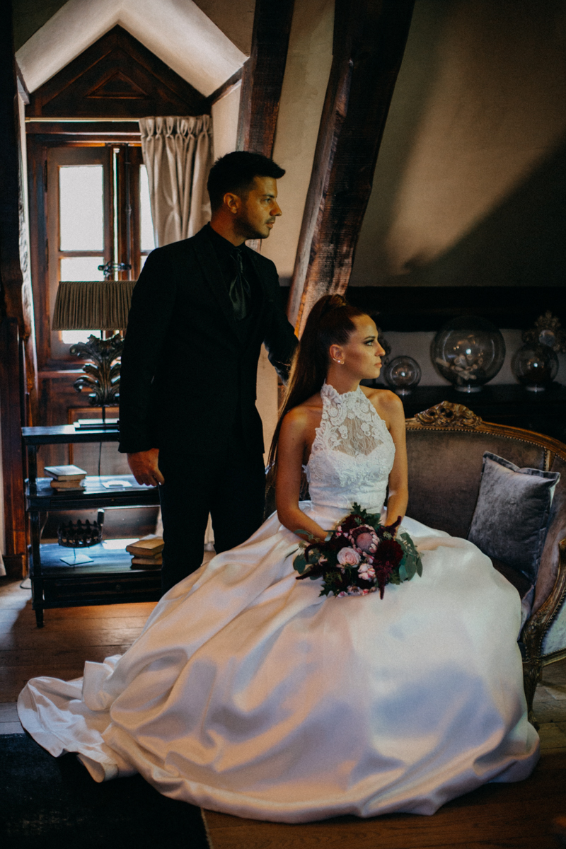 Photographe mariage seance photo reportage wedding photographer destination domaine des saints peres montagnole sorcier wood foret dark harry potter boho moody-12