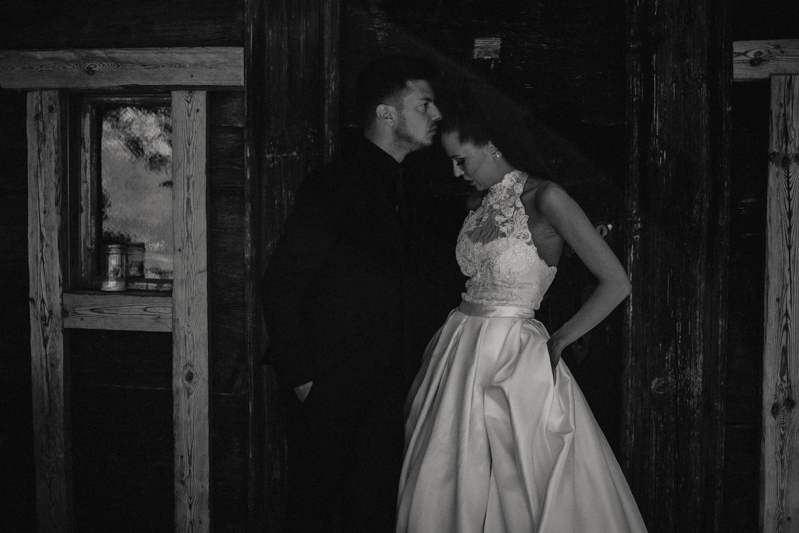 Photographe mariage seance photo reportage wedding photographer destination domaine des saints peres montagnole sorcier wood foret dark harry potter boho moody-23