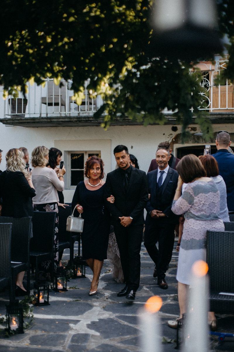 Photographe mariage seance photo reportage wedding photographer destination domaine des saints peres montagnole sorcier wood foret dark harry potter boho moody-33