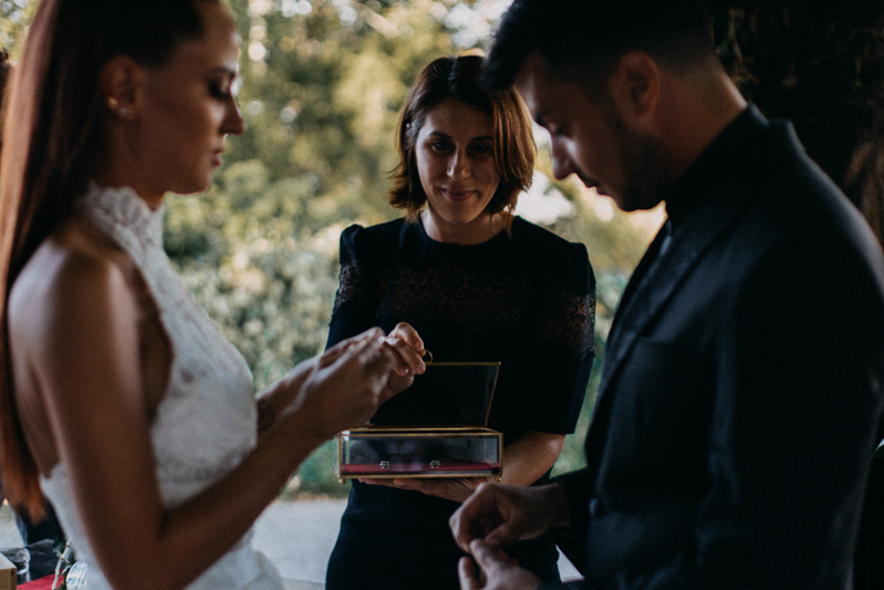 Photographe mariage seance photo reportage wedding photographer destination domaine des saints peres montagnole sorcier wood foret dark harry potter boho moody-45