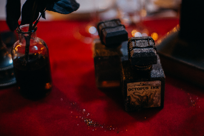 Photographe mariage seance photo reportage wedding photographer destination domaine des saints peres montagnole sorcier wood foret dark harry potter boho moody-66