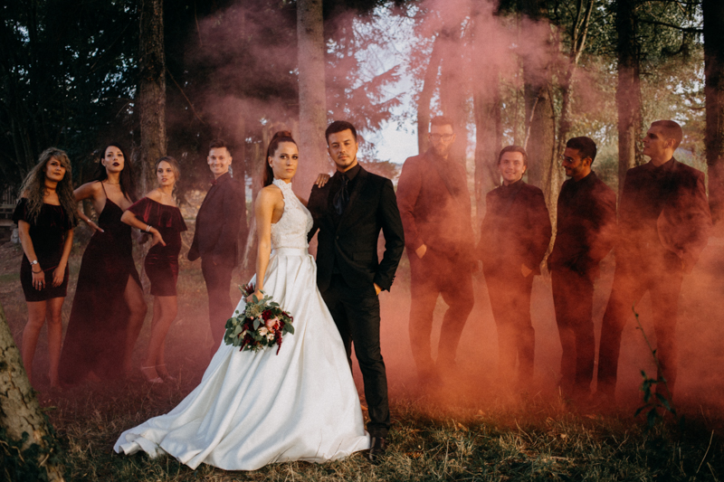 Photographe mariage seance photo reportage wedding photographer destination domaine des saints peres montagnole sorcier wood foret dark harry potter boho moody-80