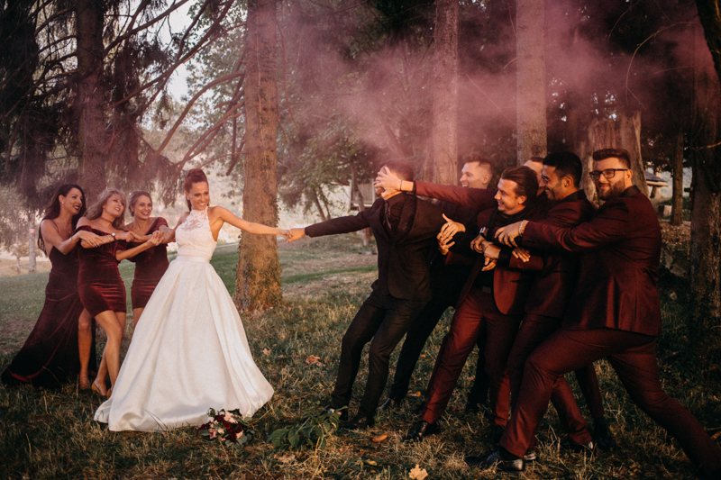 Photographe mariage seance photo reportage wedding photographer destination domaine des saints peres montagnole sorcier wood foret dark harry potter boho moody-81