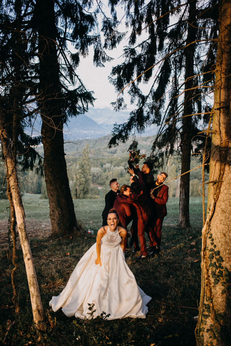 Photographe mariage seance photo reportage wedding photographer destination domaine des saints peres montagnole sorcier wood foret dark harry potter boho moody-84
