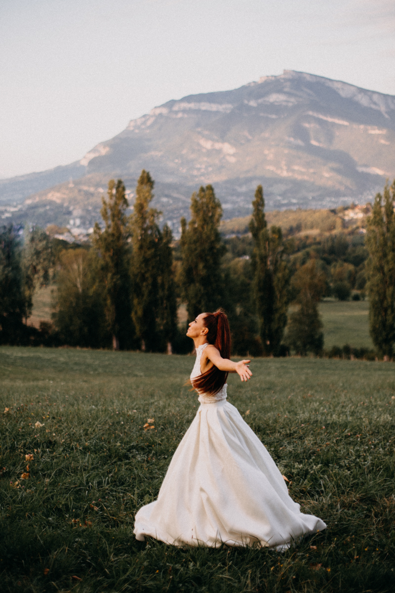 Photographe mariage seance photo reportage wedding photographer destination domaine des saints peres montagnole sorcier wood foret dark harry potter boho moody-94