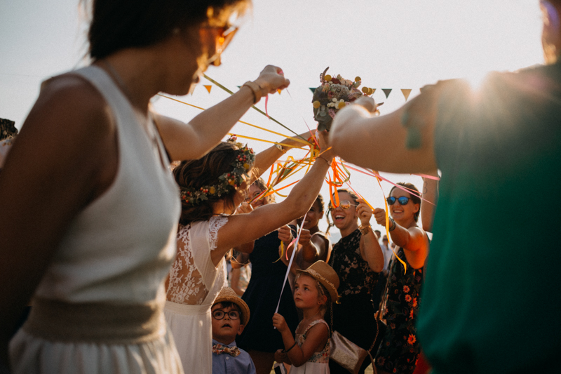 Photographe reportage mariage wedding love session destination fumigene boho wild rock-129