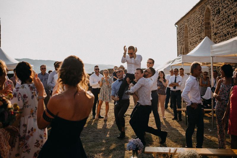 Photographe reportage mariage wedding love session destination fumigene boho wild rock-135