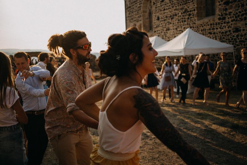 Photographe reportage mariage wedding love session destination fumigene boho wild rock-140