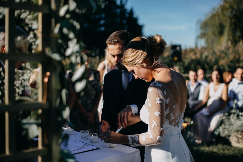 photographe mariage reportage photo love session destination wedding Lyon Provence moody amour couple-110