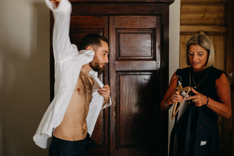 photographe mariage reportage photo love session destination wedding Lyon Provence moody amour couple-13