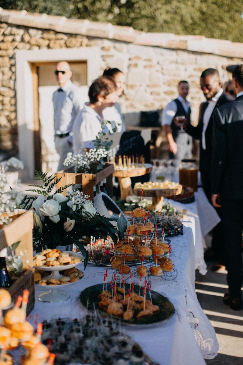 photographe mariage reportage photo love session destination wedding Lyon Provence moody amour couple-153
