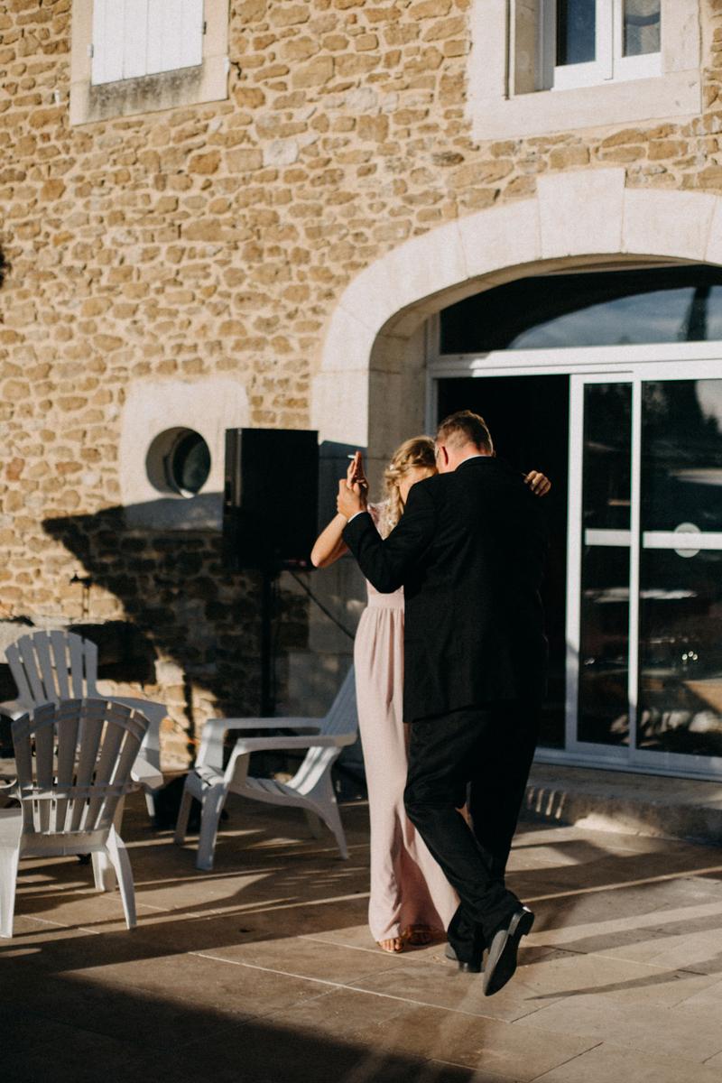 photographe mariage reportage photo love session destination wedding Lyon Provence moody amour couple-154