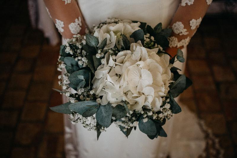 photographe mariage reportage photo love session destination wedding Lyon Provence moody amour couple-40