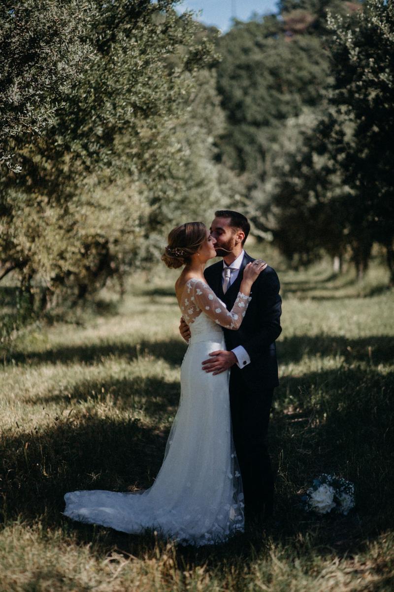 photographe mariage reportage photo love session destination wedding Lyon Provence moody amour couple-63