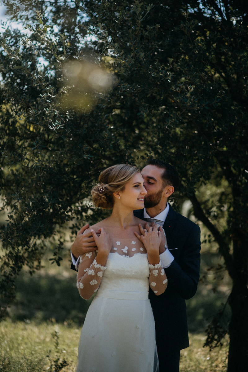 photographe mariage reportage photo love session destination wedding Lyon Provence moody amour couple-72