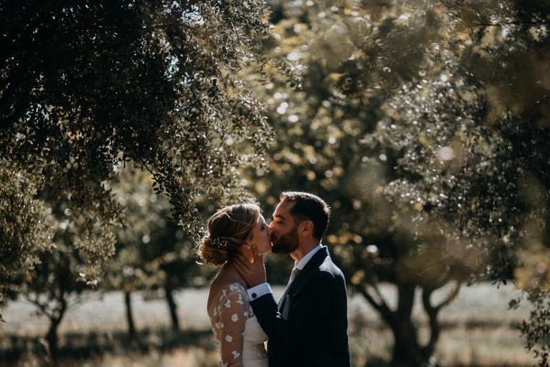 photographe mariage reportage photo love session destination wedding Lyon Provence moody amour couple-77