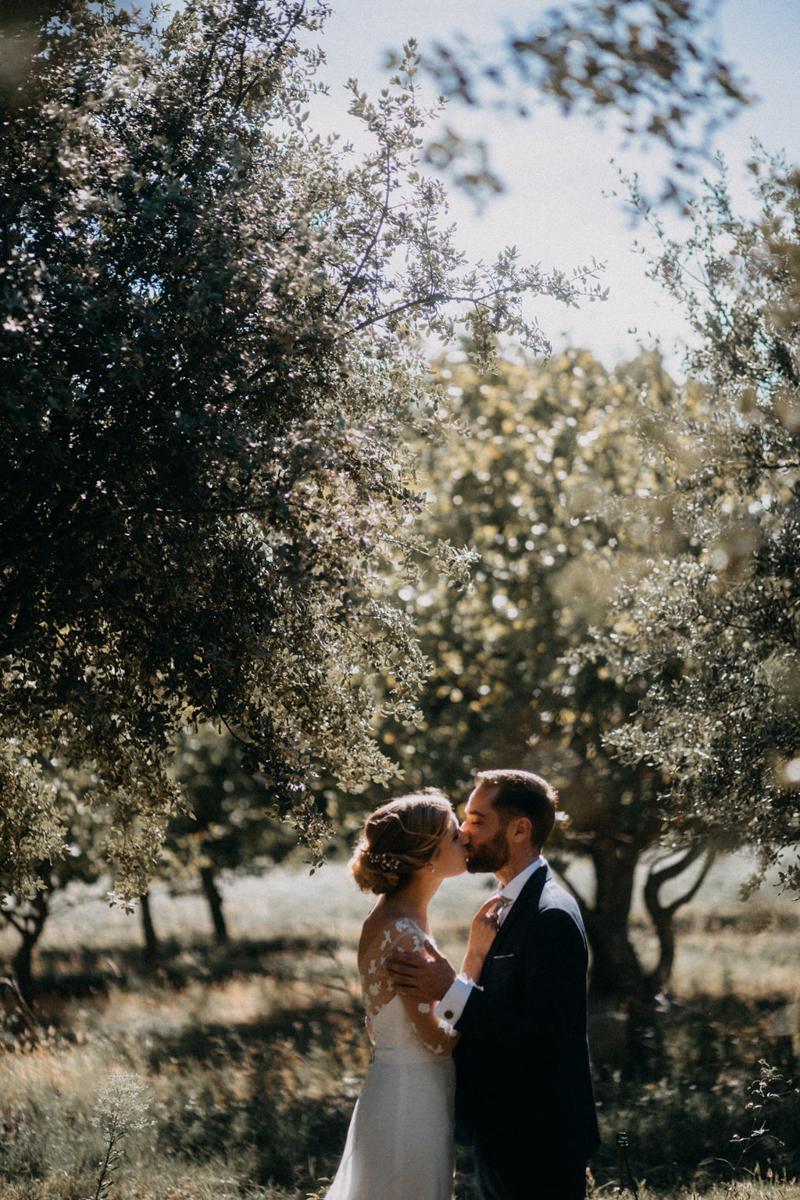photographe mariage reportage photo love session destination wedding Lyon Provence moody amour couple-78