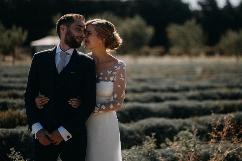 photographe mariage reportage photo love session destination wedding Lyon Provence moody amour couple-79