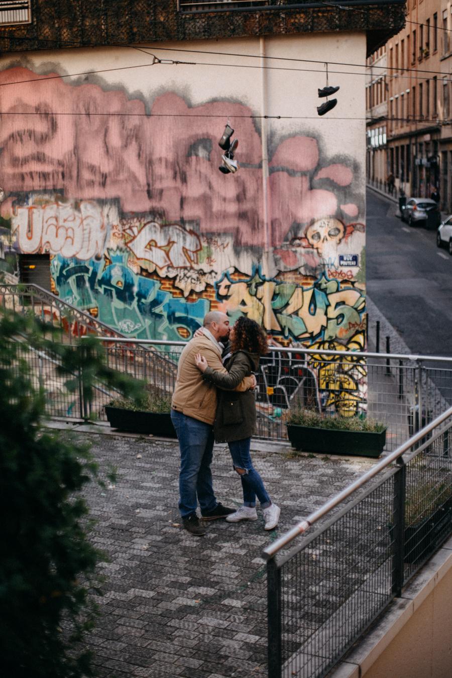 photographe love session engagement mariage couple amour Lyon soleil tag la croix rousse-1