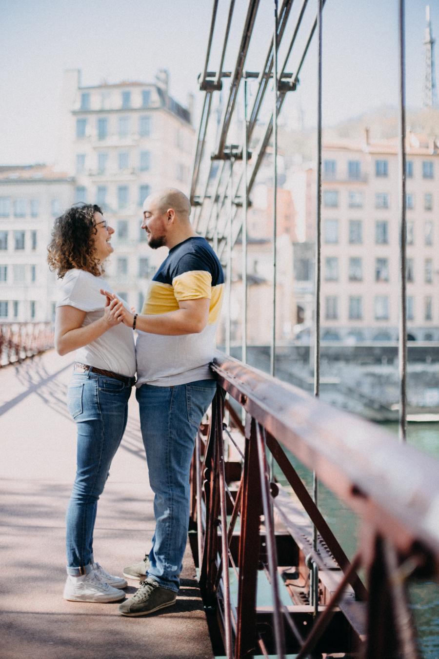 photographe love session engagement mariage couple amour Lyon soleil tag la croix rousse-27