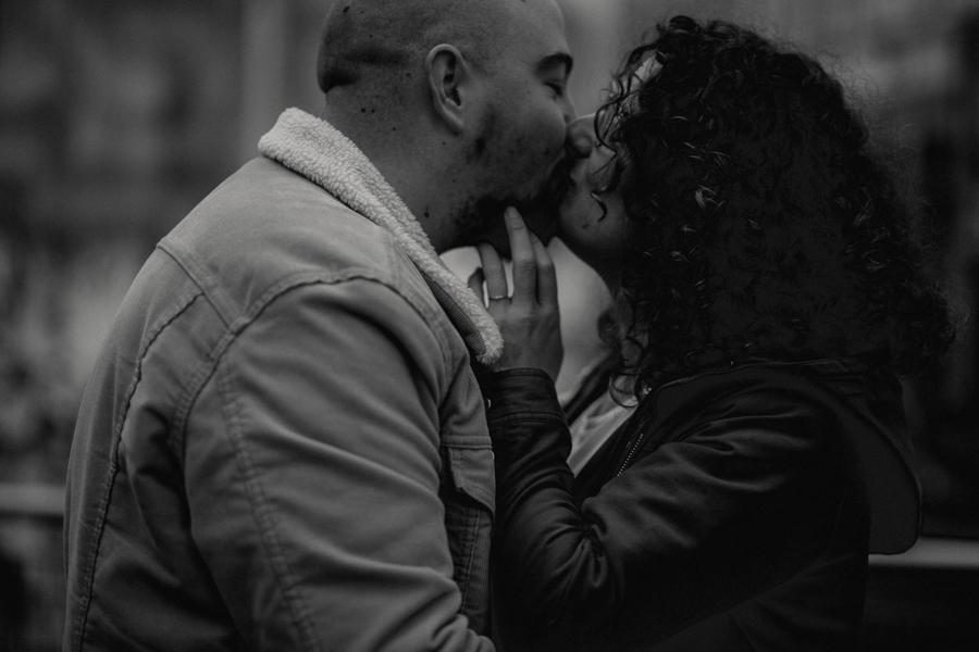 photographe love session engagement mariage couple amour Lyon soleil tag la croix rousse-3