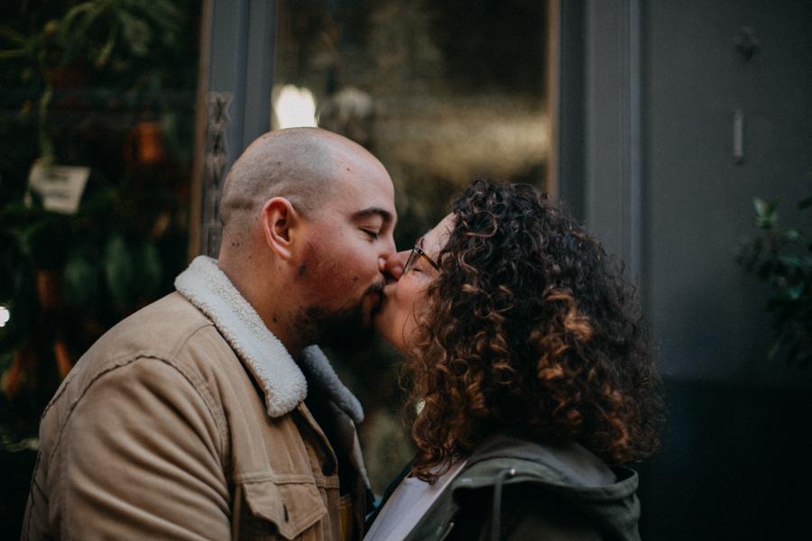 photographe love session engagement mariage couple amour Lyon soleil tag la croix rousse-33