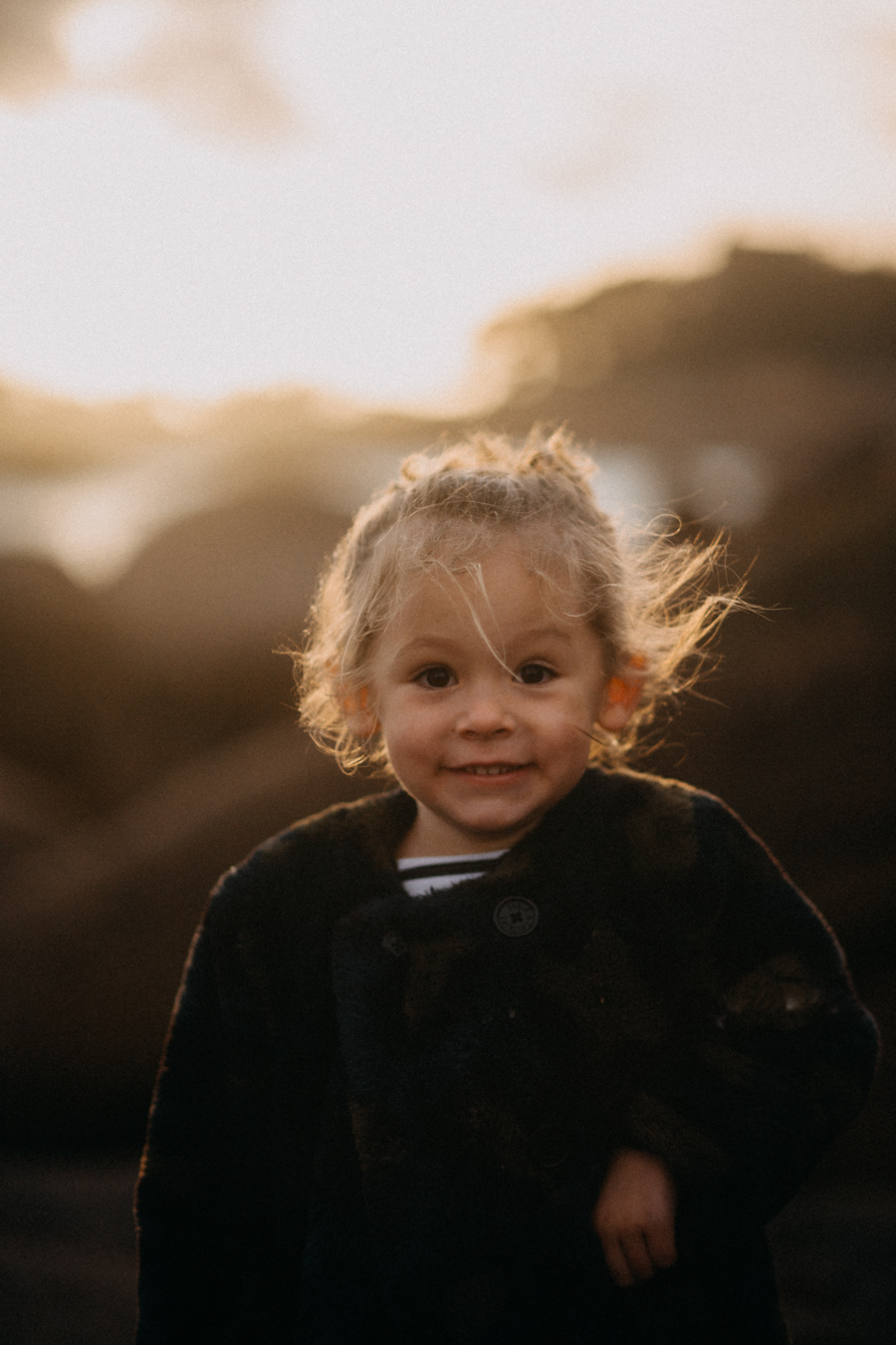 Photographe lifestyle famille mer plage family session bretagne lyon sunset lumiere enfants-26