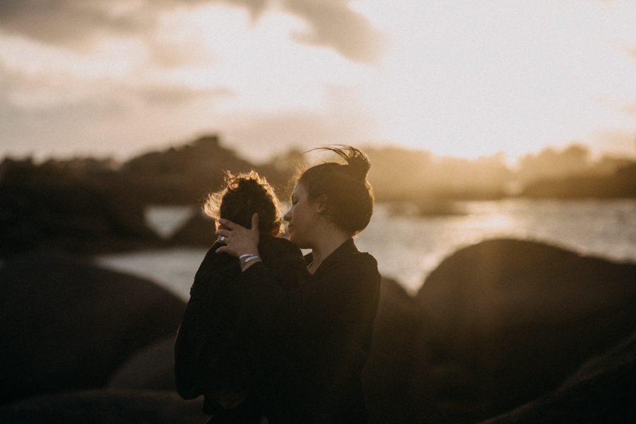 Photographe lifestyle famille mer plage family session bretagne lyon sunset lumiere enfants-34