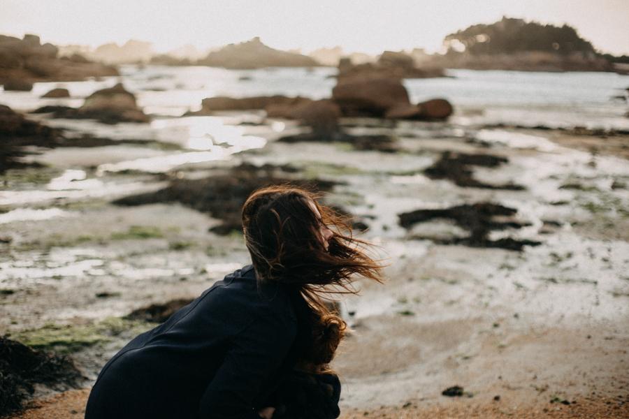 Photographe lifestyle famille mer plage family session bretagne lyon sunset lumiere enfants-5
