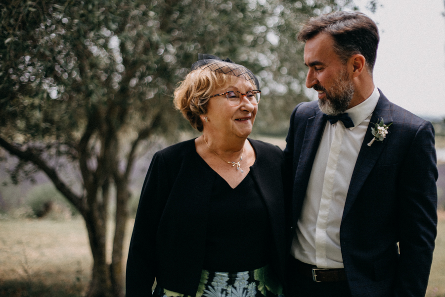 Photographe mariage seance photo wedding reportage couple love session domaine de patras provence-39