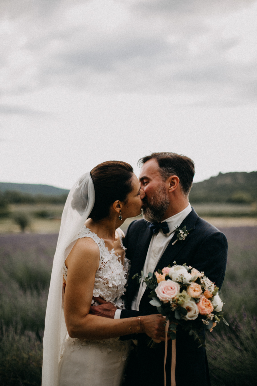 Photographe mariage seance photo wedding reportage couple love session domaine de patras provence-95