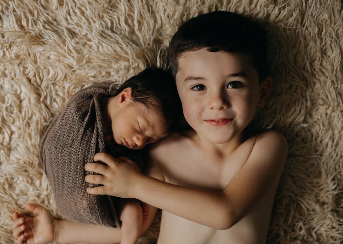 photographe nouveau-ne bebe naissance newborn posing lyon seance photo-11