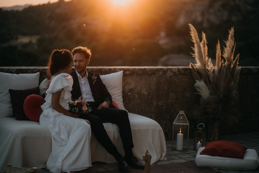 reportage photo mariage seance reportage amour love session chateau de la barben aix en provence lumiere light coucher de soleil-255